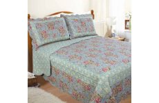 PAISLEY SCALLOPED QUILTED BEDSPREAD