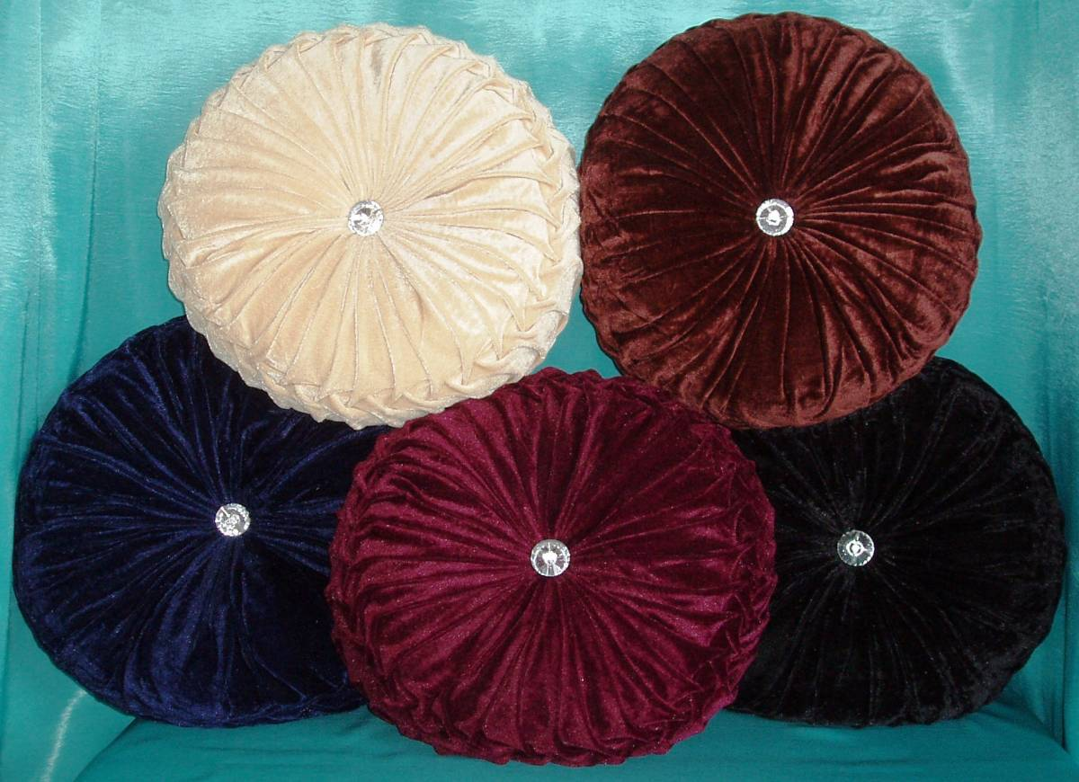 DIiamond round cushions - Net Curtain 2 Curtains